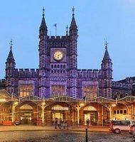 Bristolis, traukinių stotis. Ryanair skrydžiai į Bristolį